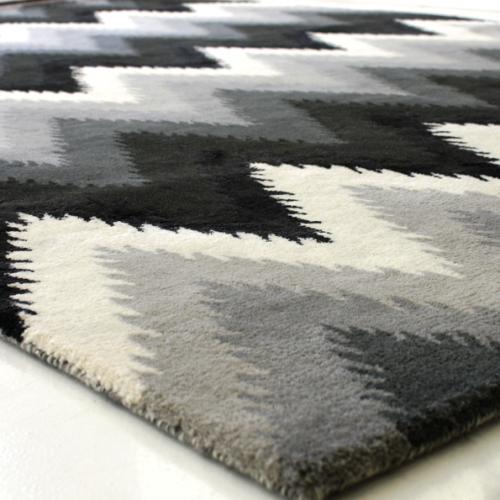 Storų kilimų valymas 8€/m2